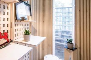 Лондонская студия создала деревянный домашний модульный офис, который можно собрать за день