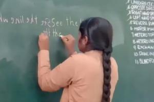 16-летняя девушка из Индии пишет 45 слов в минуту двумя руками (видео)