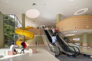 Дизайнеры Таиланда украсили детскую больницу горками и бассейном