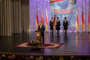 30-летие Республики Южная Осетия: в Цхинвале прошло награждение абхазских, осетинских и российских военнослужащих