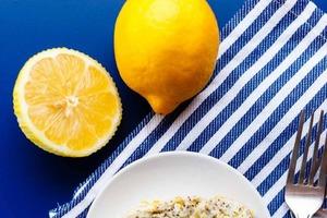 Веганский торт с маком и лимоном: отличный десерт подойдет еще и для тех, кто сидит на диете или соблюдает пост