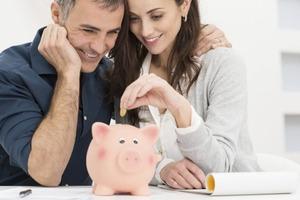 Как сокрытие зарплаты влияет на брак и что делать для снижения стресса, связанного с деньгами, в отношениях
