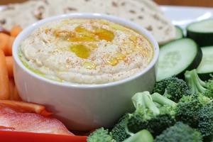 Популярный на востоке хумус в домашних условиях: идеальный соус для сырых овощей или запеченного картофеля