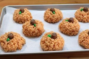 """Из воздушного риса и зефира готовлю яркие """"тыковки"""": они создают осеннее настроение и радуют своим вкусом"""