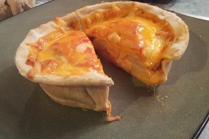 """""""Гавайская"""" или с грибами и луком: пристрастился готовить сочную пиццу в горшочке"""