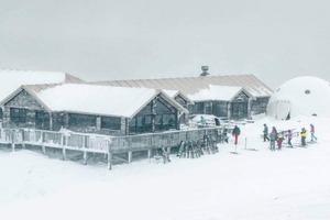 Самая живописная пиццерия Новой Зеландии: она покрыта снегом, расположена в горах и имеет фантастический вид на южные Альпы