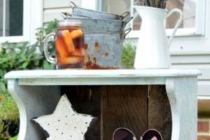 Как отреставрировать старую тумбочку в деревенском стиле: понадобилась краска и воск (инструкция с фото)