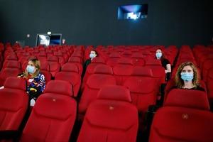 Новые противопожарные правила: в кинотеатрах России запретят закрывать двери на ключ