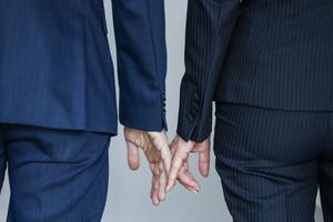 Правила для влюбленной пары на общей работе: служебный роман глазами экспертов
