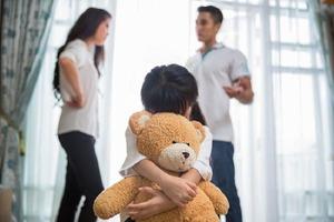 7 изменений, которые произошли в моей жизни, когда я простила родителей за несчастливое детство