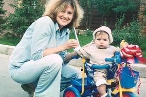 В 46 лет Светлана Сорокина удочерила девочку: как они живут спустя 17 лет (новые фото)