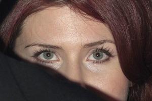 Обольстительница, женщина-загадка, шпионка: история жизни Анны Чапман