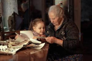Аня через 20 лет узнала, кто ее родители. Правда открылась, когда в деревню приехал новый фельдшер