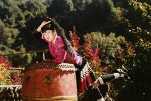 У всех коса до пят: жительницы китайской деревни поделились секретом шампуня
