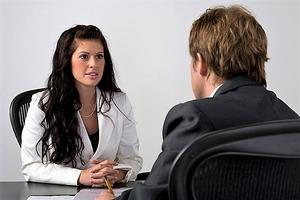 Как понравиться начальнику, чтобы он быстрее повысил в должности: 5 способов