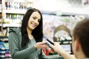 Покупки в долг: 4 плюса кредитной карты