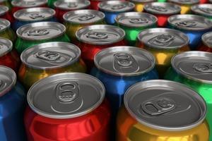 Напиток в алюминиевой банке: как правильно пить, чтобы сберечь свое здоровье