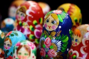 О японских корнях русской матрешки: справедливо ли символ России обвиняют в иностранном происхождении