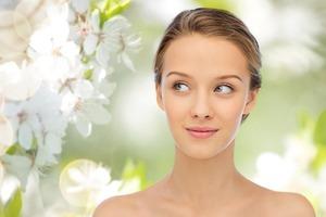 Пришла весна, пора менять уход за кожей: витамин D, увлажнение, кислоты - что важно именно сейчас