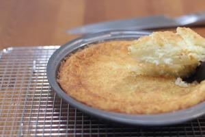 Кокосовый пирог с хрустящей корочкой: готовлю ванильный нежный десерт для всей семьи