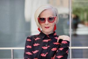 Короткие и белоснежные: женщины, которые отказались от окрашивания волос, и это выглядит потрясающе